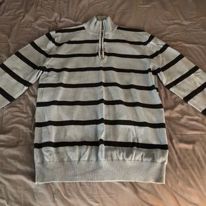 Old navy pullover. Large.